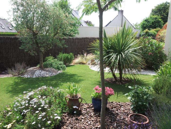 pelouse synthétique réaliste et paillage